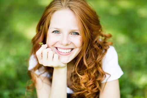 Oferta stomatologiczna - protezy, mosty, licówki, korony, wybielanie zębów, aparaty ortodontyczne